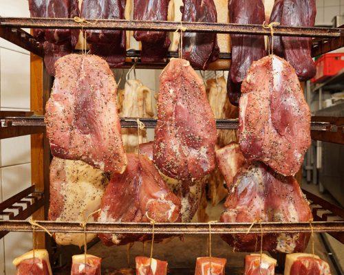 Schinken vom Meissner Schwein bei der Fleischerei Richter in Meißen